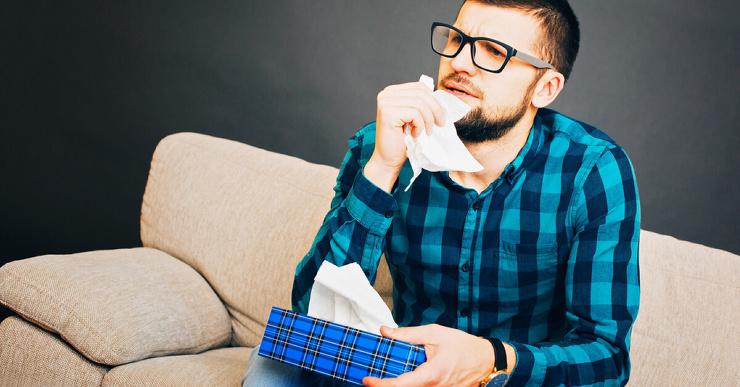 Как безопасно очистить заложенный нос и убрать насморк?