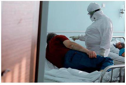 Перенесшие COVID-19 россияне рассказали о кровотечениях, запахе гнили и глухоте