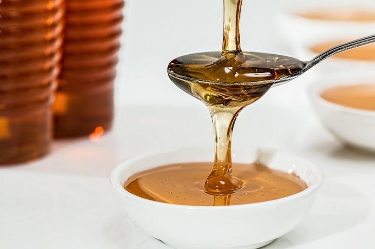 Почему младенцам нельзя есть мед