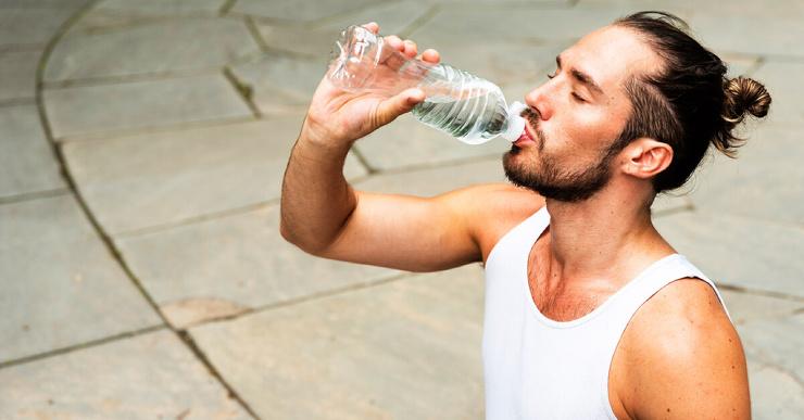4 причины, почему минеральная вода может быть полезной для вашего здоровья