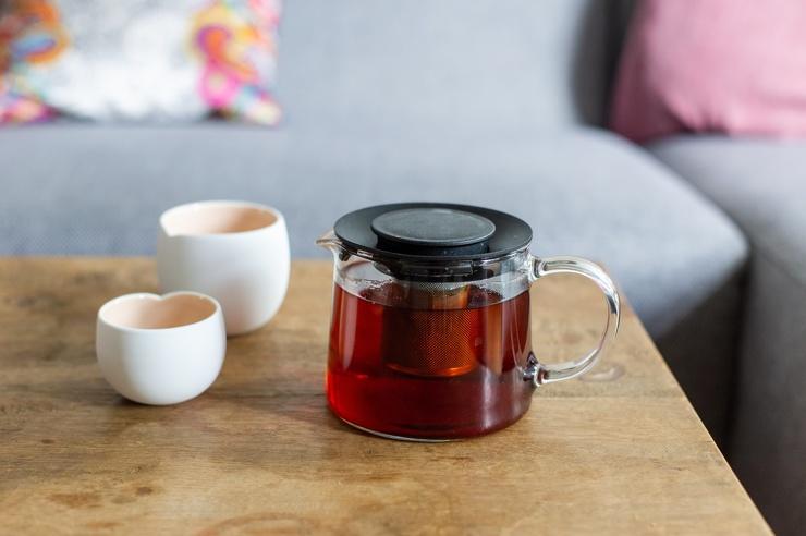 Ученые показали, что черный чай полезнее зеленого для профилактики болезней сосудов